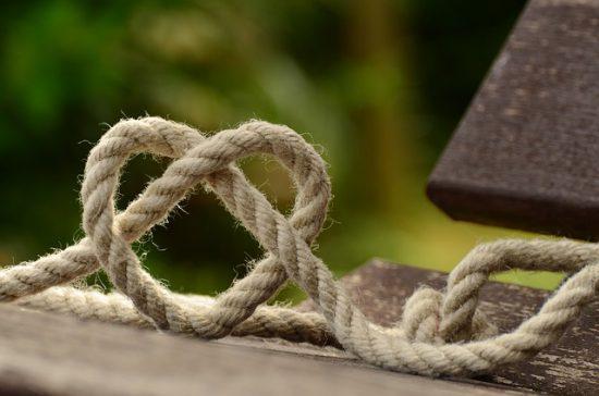 Cuerda dispuesta en forma de corazón